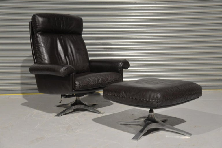 Swiss Vintage De Sede DS 31 High Back Leather Swivel Armchair with Ottoman, 1970s