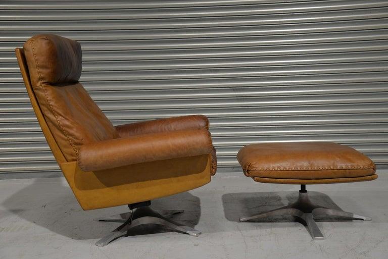 Swiss Vintage De Sede DS 31 Leather Swivel Armchair with Ottoman, Switzerland 1970s