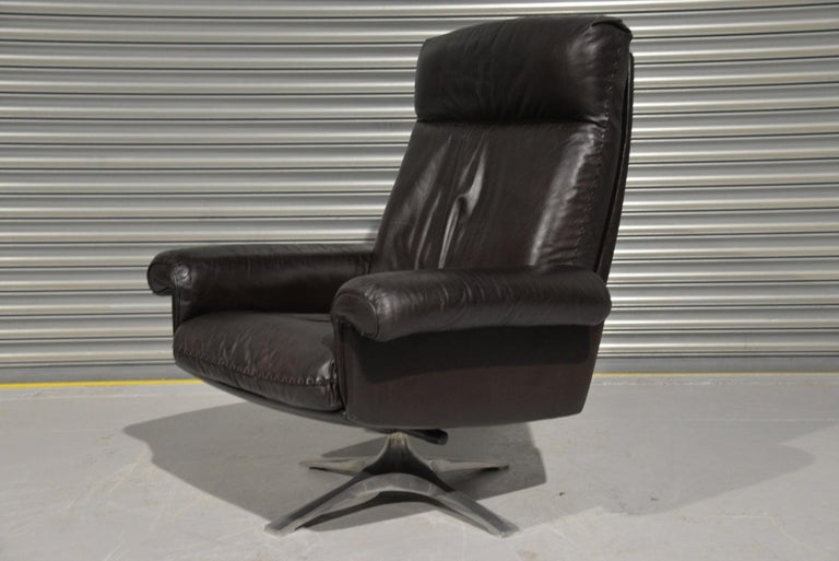 Late 20th Century Vintage De Sede DS 31 High Back Leather Swivel Armchair with Ottoman, 1970s