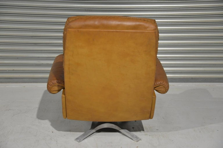 Vintage De Sede DS 31 Leather Swivel Armchair with Ottoman, Switzerland 1970s 3