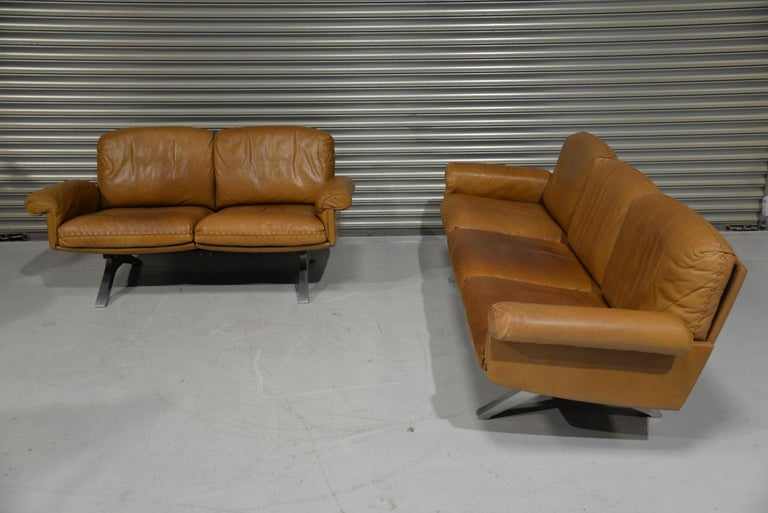 Aluminum Vintage De Sede DS 31 Leather Sofa and Loveseat, Switzerland 1970s For Sale