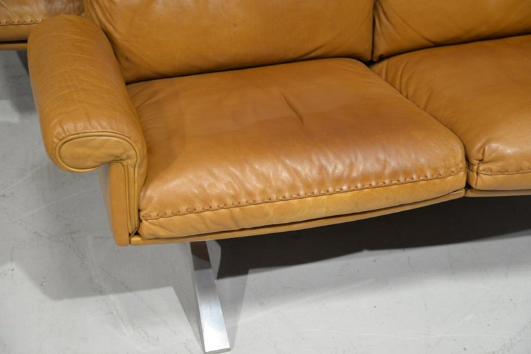 Vintage De Sede DS 31 Leather Sofa and Swivel Lounge Armchair, Switzerland 1970s For Sale 7