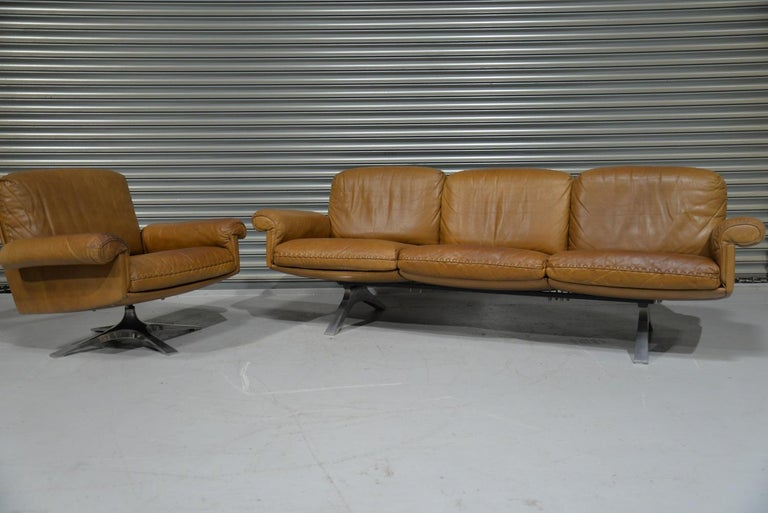 Vintage De Sede DS 31 Leather Sofa and Swivel Lounge Armchair, Switzerland 1970s In Good Condition For Sale In Fen Drayton, Cambridgeshire