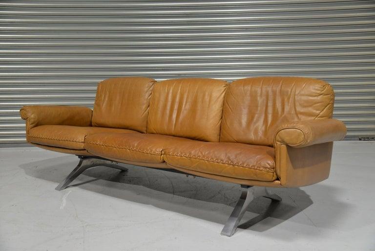 Aluminum Vintage De Sede DS 31 Leather Sofa and Swivel Lounge Armchair, Switzerland 1970s For Sale