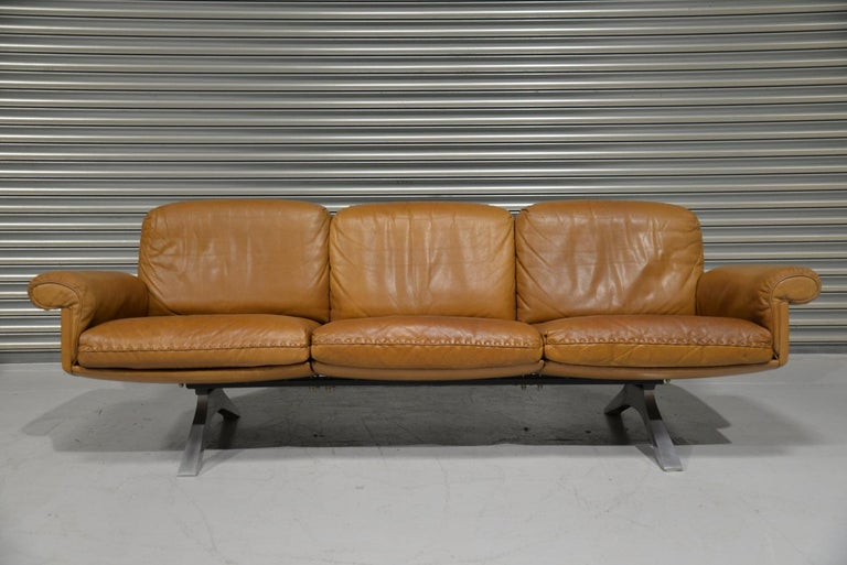 Vintage De Sede DS 31 Leather Sofa and Swivel Lounge Armchair, Switzerland 1970s For Sale 1