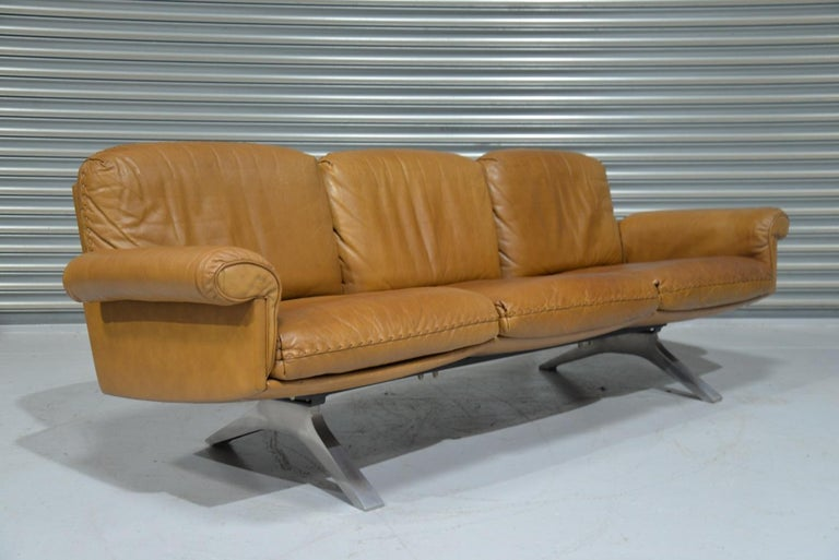 Vintage De Sede DS 31 Leather Sofa and Swivel Lounge Armchair, Switzerland 1970s For Sale 2