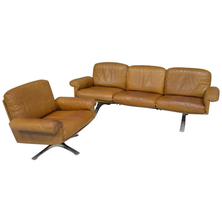 Vintage De Sede DS 31 Leather Sofa and Swivel Lounge Armchair, Switzerland 1970s For Sale