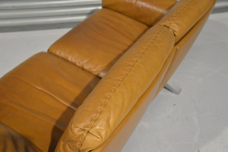 Vintage De Sede DS 31 Leather Two-Seat Sofa or Loveseat, Switzerland, 1970s For Sale 5