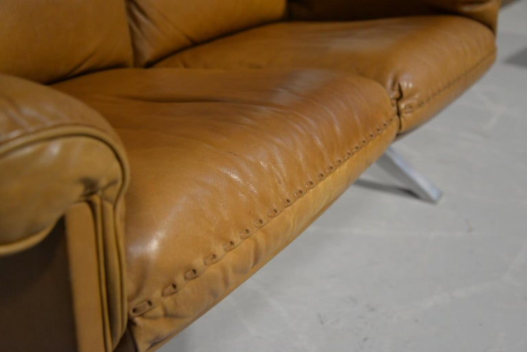 Vintage De Sede DS 31 Leather Two-Seat Sofa or Loveseat, Switzerland, 1970s For Sale 6