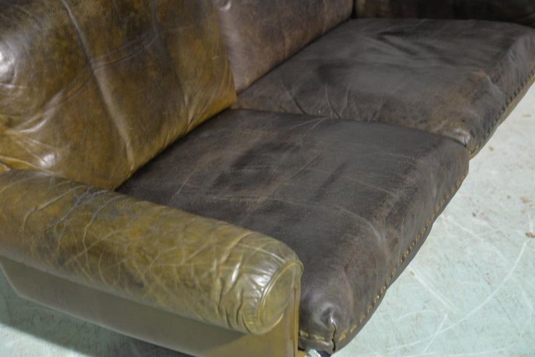 Vintage De Sede DS 31 Leather Two-Seat Sofa or Loveseat, Switzerland, 1970s For Sale 7