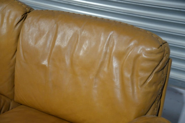 Vintage De Sede DS 31 Leather Two-Seat Sofa or Loveseat, Switzerland, 1970s For Sale 8