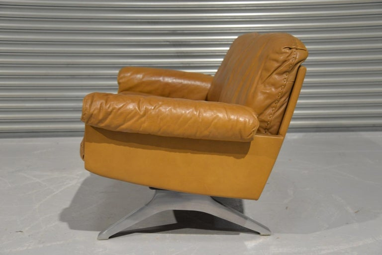 Mid-Century Modern Vintage De Sede DS 31 Leather Two-Seat Sofa or Loveseat, Switzerland, 1970s For Sale
