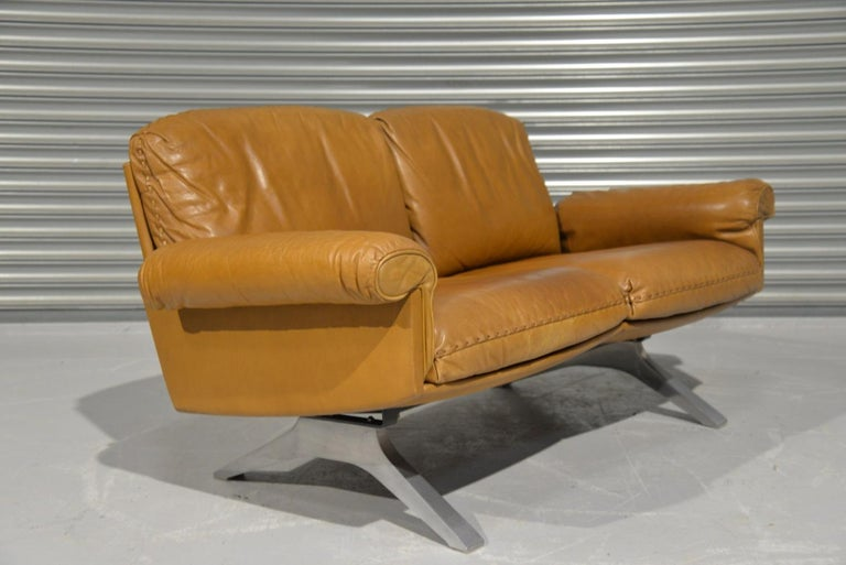 Vintage De Sede DS 31 Leather Two-Seat Sofa or Loveseat, Switzerland, 1970s For Sale 3