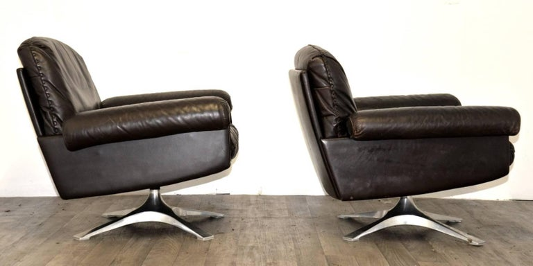 Late 20th Century Vintage De Sede DS 31 Leather Sofa and Swivel Armchairs, Switzerland 1970s For Sale