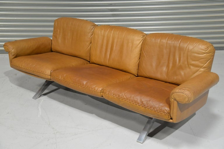 Vintage De Sede DS 31 Leather Three-Seat Sofa, Switzerland 1970s For Sale 3