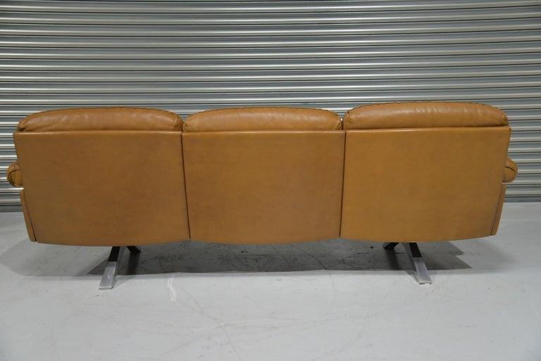 Aluminum Vintage De Sede DS 31 Leather Three-Seat Sofa, Switzerland 1970s For Sale