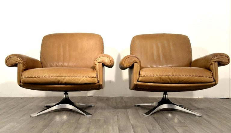 Mid-Century Modern Vintage De Sede DS 31 Two-Seat Sofa and Swivel Lounge Armchairs 1970`s For Sale