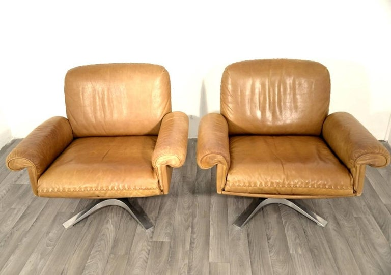 Swiss Vintage De Sede DS 31 Two-Seat Sofa and Swivel Lounge Armchairs 1970`s For Sale