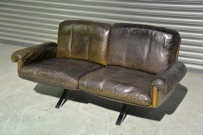 Mid-Century Modern Vintage De Sede DS 31 Leather Two-Seat Sofa or Loveseat, Switzerland 1970s For Sale
