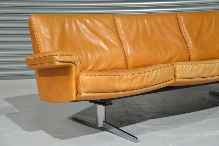Vintage De Sede DS 35 Leather Three-Seat Sofa, Switzerland, 1960s For Sale 5