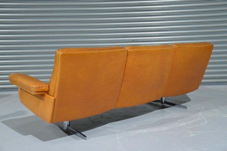 Vintage De Sede DS 35 Leather Three-Seat Sofa, Switzerland, 1960s In Good Condition For Sale In Fen Drayton, Cambridgeshire