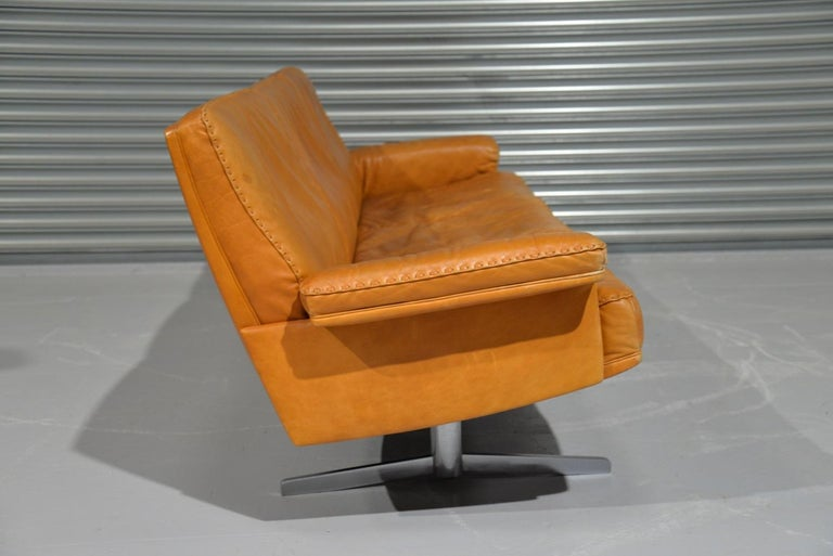 Vintage De Sede DS 35 Leather Three-Seat Sofa, Switzerland, 1960s For Sale 2
