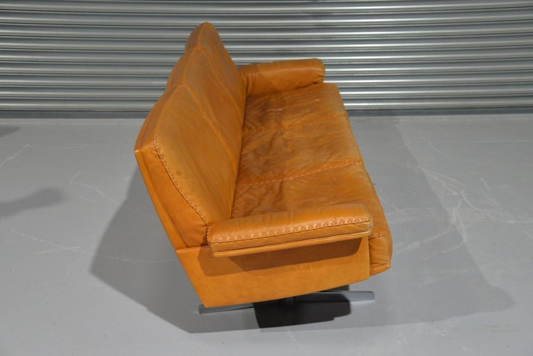 Vintage De Sede DS 35 Leather Three-Seat Sofa, Switzerland, 1960s For Sale 3