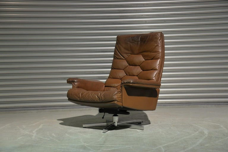 Discounted airfreight for our International and US customers (from 2 weeks door to door)   We are delighted to bring to you an ultra-rare and highly desirable De Sede Executive swivel lounge armchair. Hand built in the 1970s by De Sede craftsman in