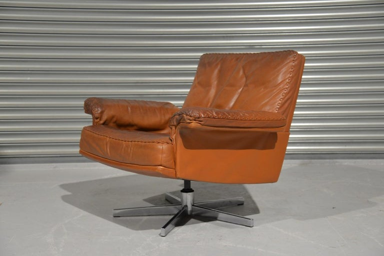 Discounted airfreight for our US and International customers ( from 2 weeks door to door)  We are delighted to bring to you an ultra-rare and highly desirable De Sede DS 35 swivel club lounge armchair. Hand built in the 1970`s by De Sede craftsman