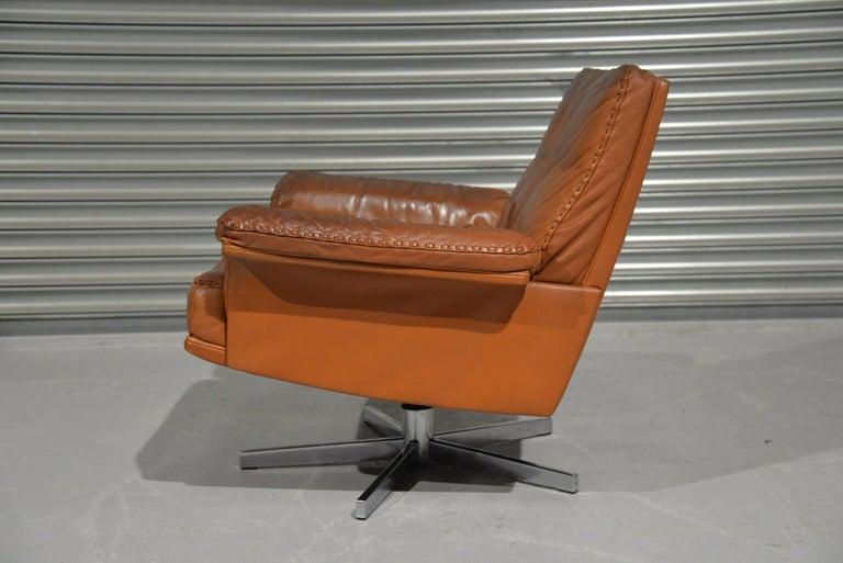 Mid-Century Modern Vintage De Sede DS 35 Swivel Lounge Armchair, 1970`s For Sale