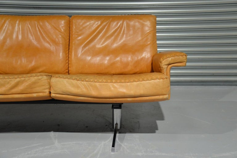 Vintage De Sede DS 35 Leather Three-Seat Sofa, Switzerland 1960s For Sale 4