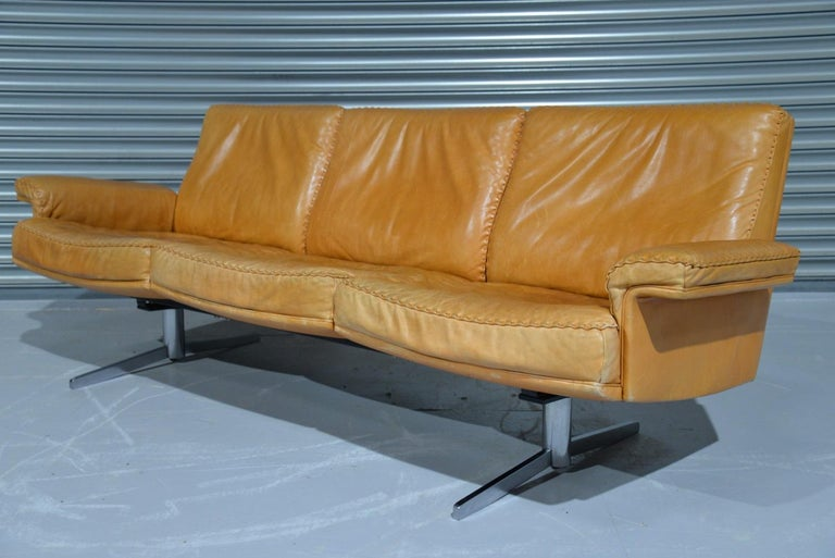 Mid-Century Modern Vintage De Sede DS 35 Leather Three-Seat Sofa, Switzerland 1960s For Sale