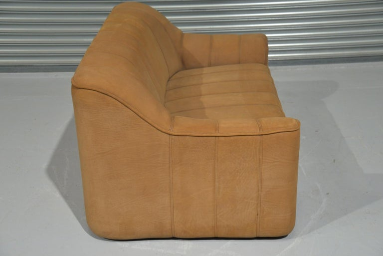 Vintage De Sede DS 44 Leather Two-Seat Sofa or Loveseat Switzerland 1970`s For Sale 2