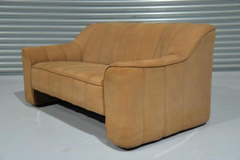 Vintage De Sede DS 44 Two-Seat Neck Leather Sofas / Loveseats, Switzerland 1970s For Sale 3