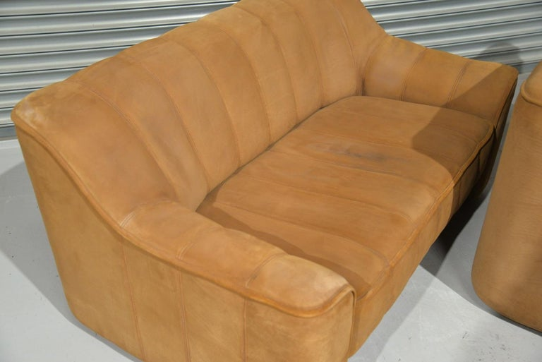 Vintage De Sede DS 44 Two-Seat Neck Leather Sofas / Loveseats, Switzerland 1970s For Sale 6
