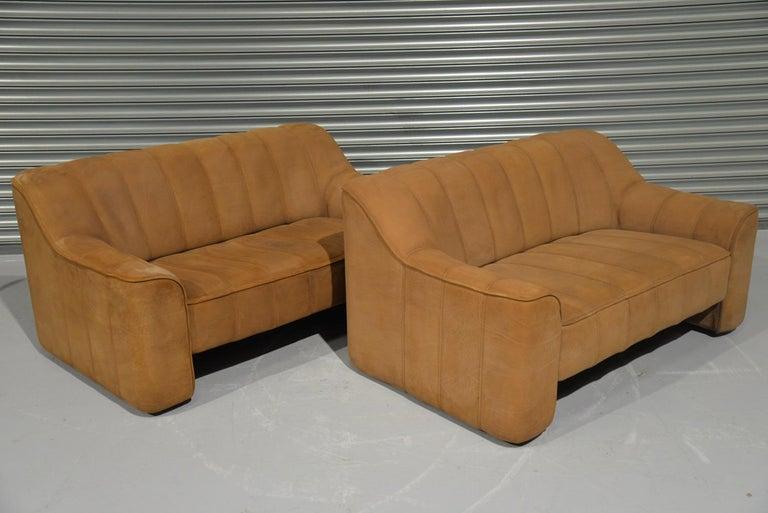 Mid-Century Modern Vintage De Sede DS 44 Two-Seat Neck Leather Sofas / Loveseats, Switzerland 1970s For Sale