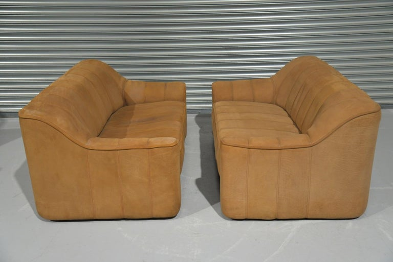 Vintage De Sede DS 44 Two-Seat Neck Leather Sofas / Loveseats, Switzerland 1970s In Good Condition For Sale In Fen Drayton, Cambridgeshire