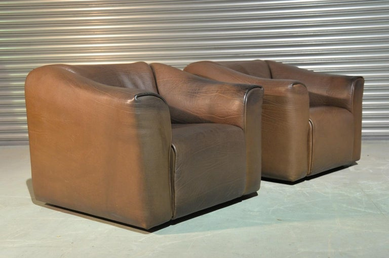 Discounted airfreight for our US and International customers (from 2 weeks door to door)  We are delighted to bring to you a pair of ultra rare vintage De Sede DS 47 armchairs. Hand built in the 1970s by De Sede craftsman in Switzerland, these