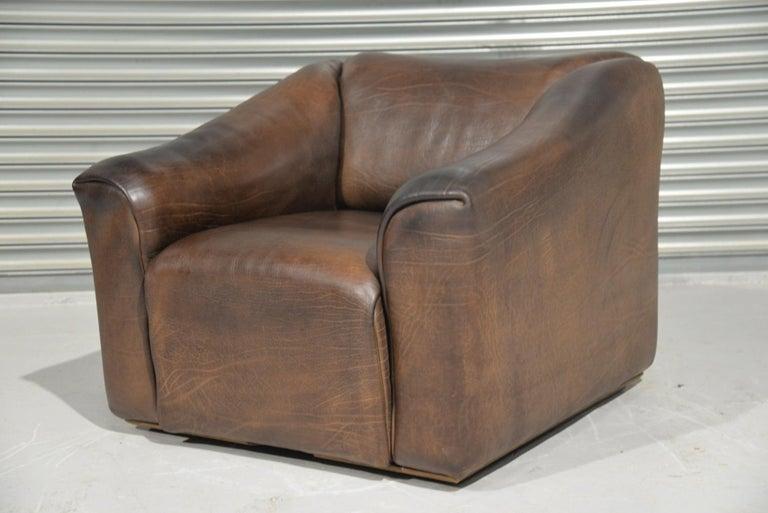 Discounted airfreight for our US Continent customers (from 2 weeks door to door)  We are delighted to bring to you an ultra rare vintage De Sede DS 47 armchair. Hand built in the 1970s by De Sede craftsman in Switzerland, this piece is upholstered
