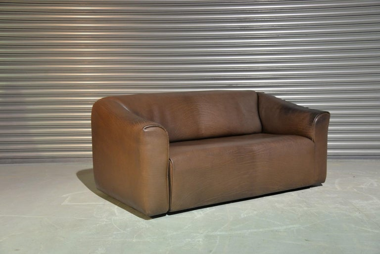 Discounted shipping rates for our US and International customers ( from 2 weeks door to door )   We are delighted to bring to you an ultra rare vintage De Sede DS 47 leather sofa. Hand built in the 1970s by De Sede craftsman in Switzerland, these