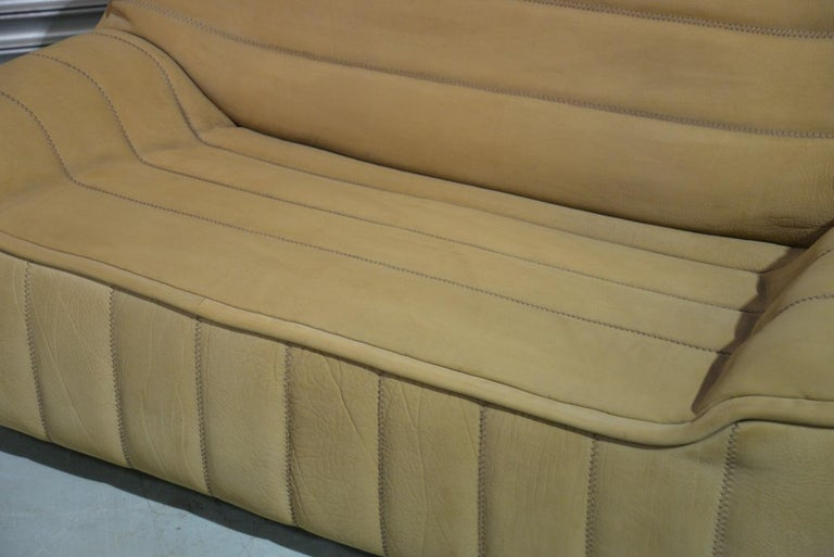 Vintage De Sede DS 84 Leather Sofa, Switzerland 1970s For Sale 4