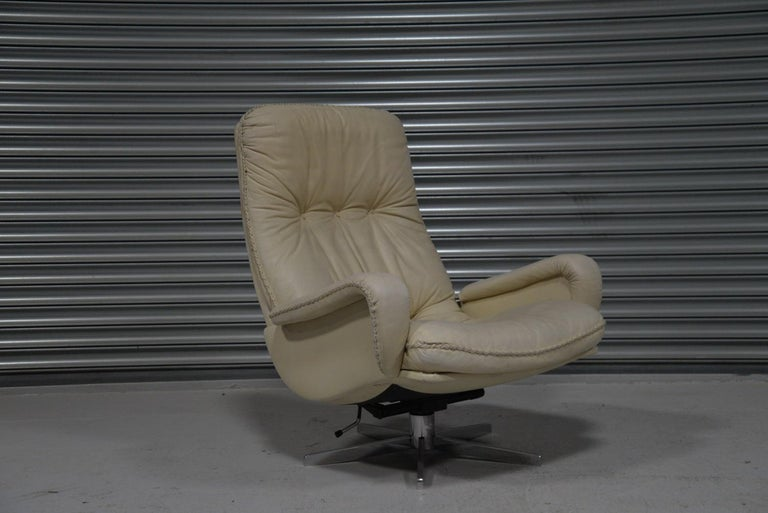 Vintage De Sede S 231 James Bond Swivel Armchair with Ottoman, Switzerland 1960s For Sale 3
