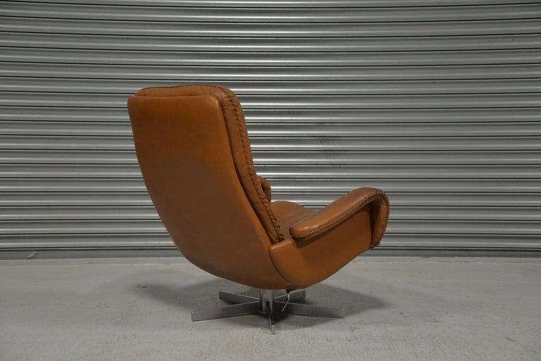 Vintage De Sede S 231 James Bond Swivel Armchair with Ottoman, Switzerland 1960s For Sale 3