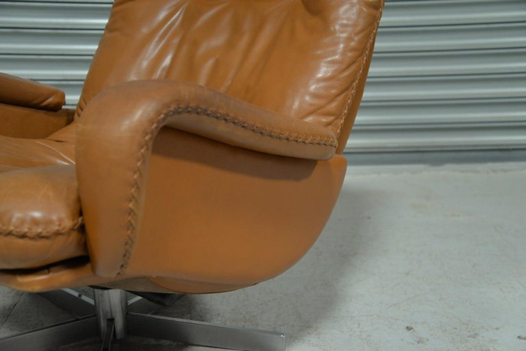 Vintage De Sede S 231 James Bond Swivel Armchair with Ottoman, Switzerland 1960s For Sale 8