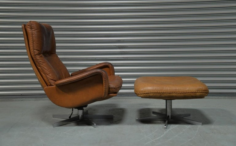 Mid-Century Modern Vintage De Sede S 231 James Bond Swivel Armchair with Ottoman, Switzerland 1960s For Sale