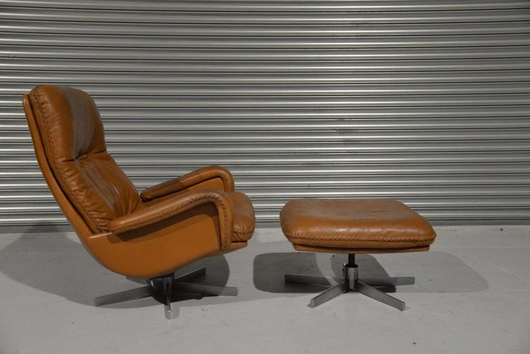 Swiss Vintage De Sede S 231 James Bond Swivel Armchair with Ottoman, Switzerland 1960s For Sale