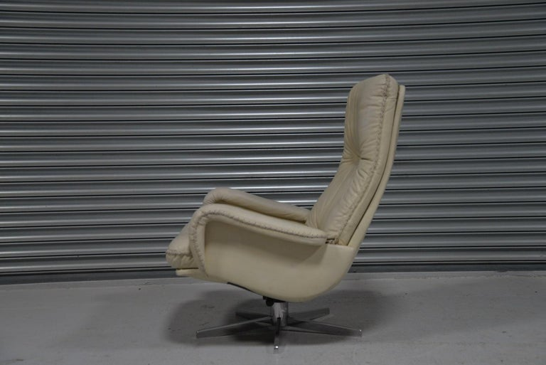 Vintage De Sede S 231 James Bond Swivel Armchair with Ottoman, Switzerland 1960s In Good Condition For Sale In Fen Drayton, Cambridgeshire