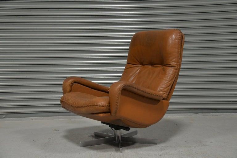 20th Century Vintage De Sede S 231 James Bond Swivel Armchair with Ottoman, Switzerland 1960s For Sale