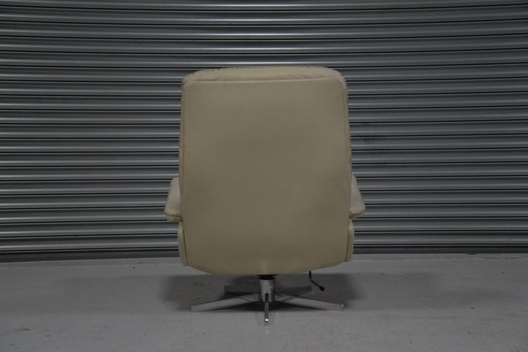 Leather Vintage De Sede S 231 James Bond Swivel Armchair with Ottoman, Switzerland 1960s For Sale