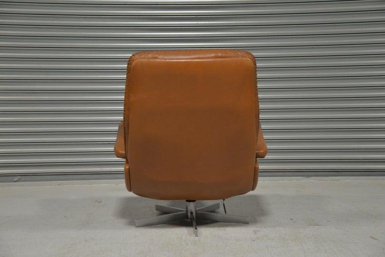 Vintage De Sede S 231 James Bond Swivel Armchair with Ottoman, Switzerland 1960s For Sale 2